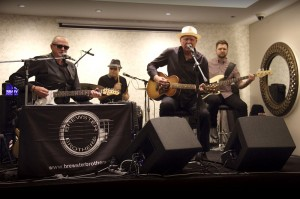 "Brewster Brothers - Playing ""Gemelle"" Risorante Italiano - 15th Nov 2013"